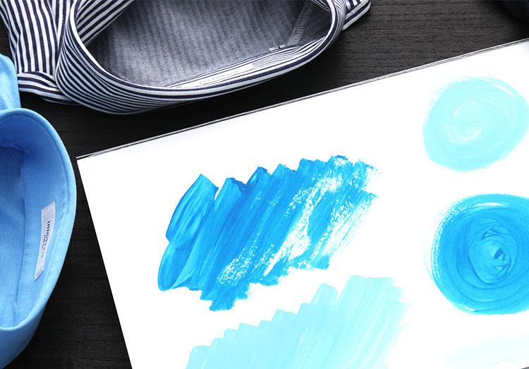 クールビズ中にオススメな色合いは、ブルー系統。中でもサックスブルーは特にオススメの色合いです。